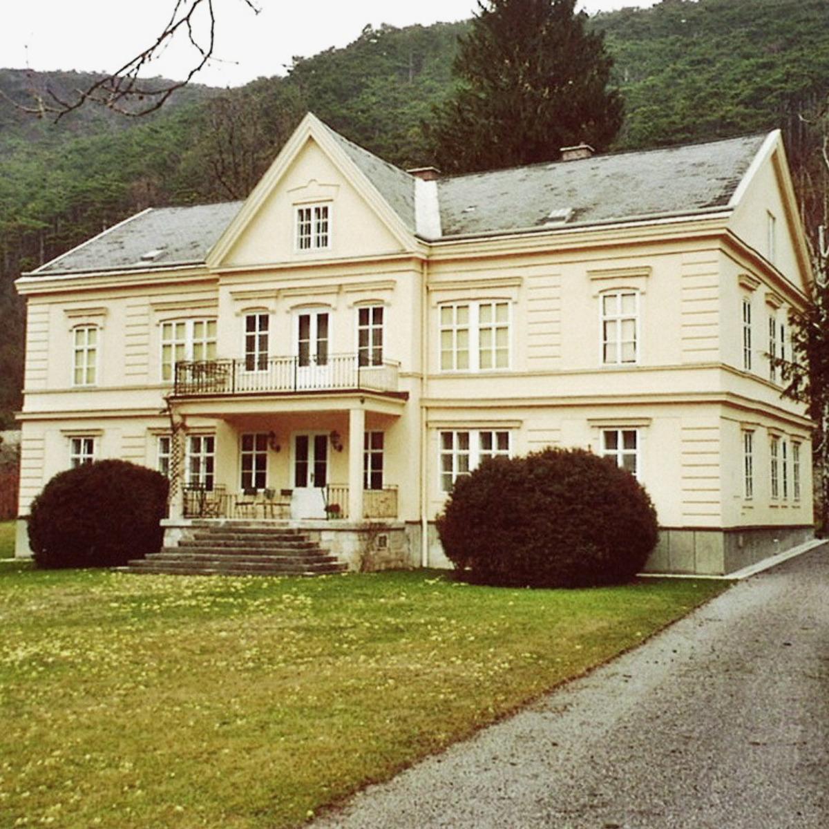 Villa im Helenental